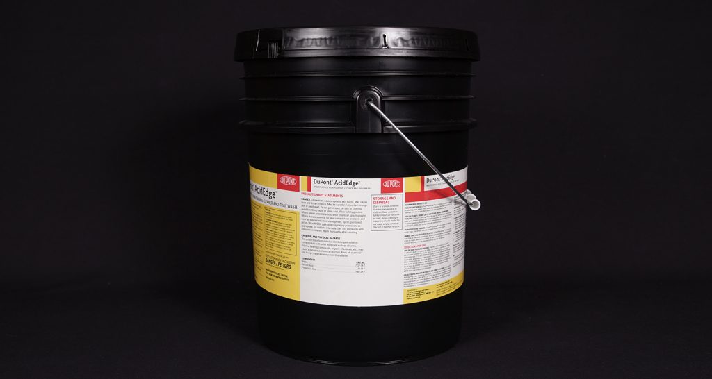Pressure sensitive labels for buckets